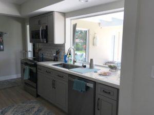 Modern looking, sparkling new kitchen